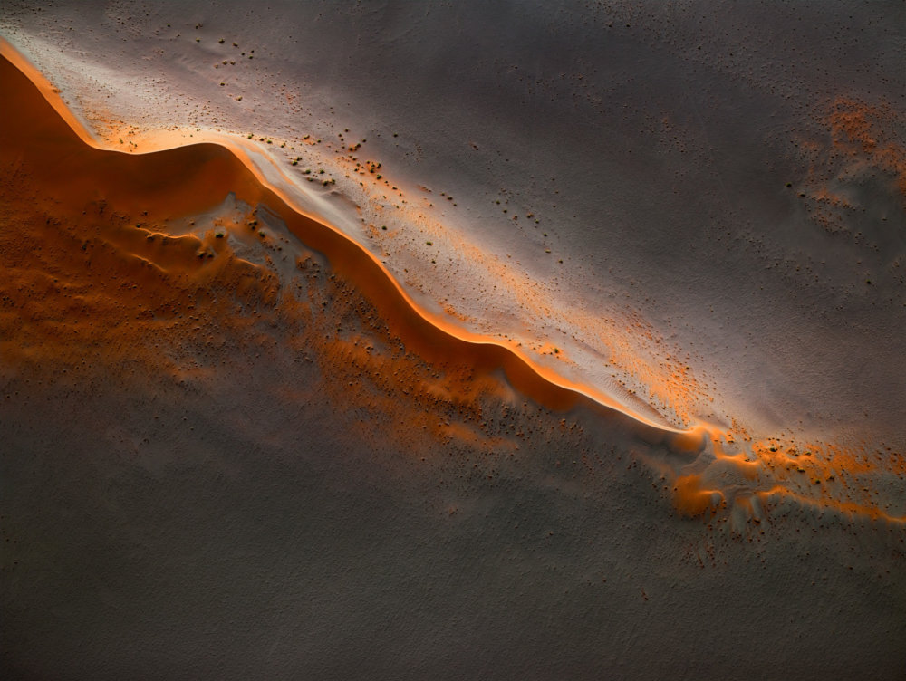 Mesmerizing Aerial Photographs Of Namibias Desert By Leah Kennedy 1