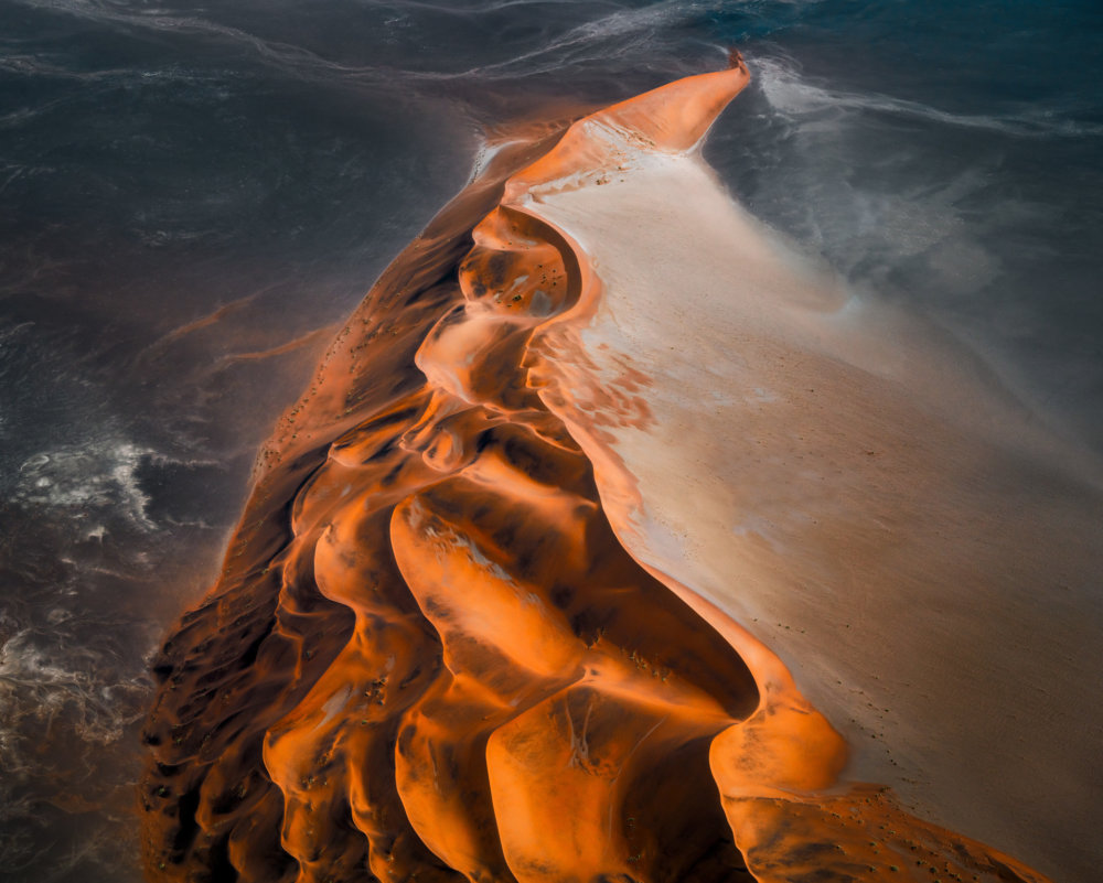 Mesmerizing Aerial Photographs Of Namibias Desert By Leah Kennedy 8