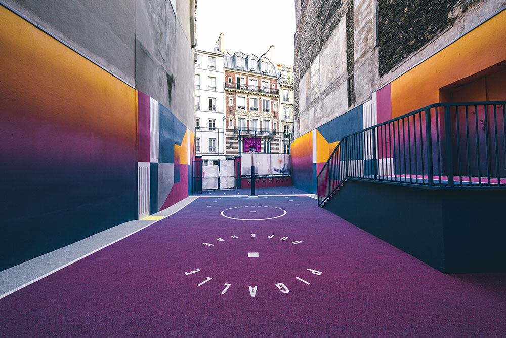 Parisian Basketball Court Amazingly Decorated With The 80s Colorful Aesthetic By Ill Studio Pigalle And Nike 7