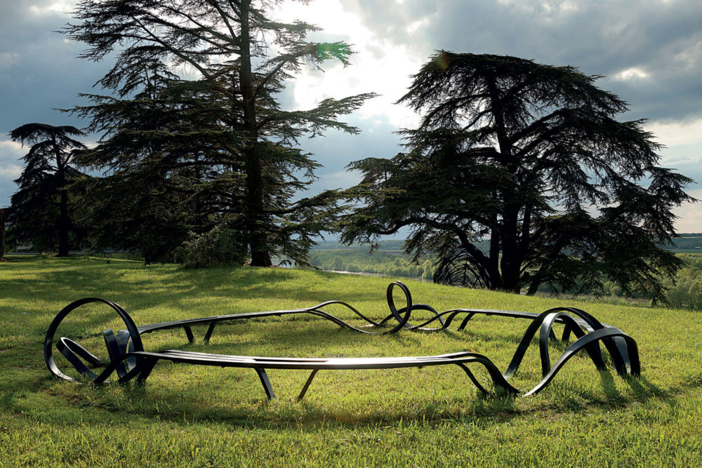 Sculptural Twisted Spaghetti Like Benches By Pablo Reinoso 2