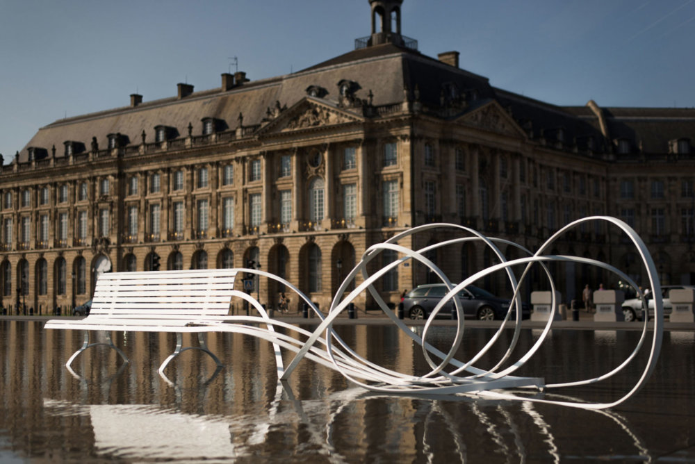 Sculptural Twisted Spaghetti Like Benches By Pablo Reinoso 9