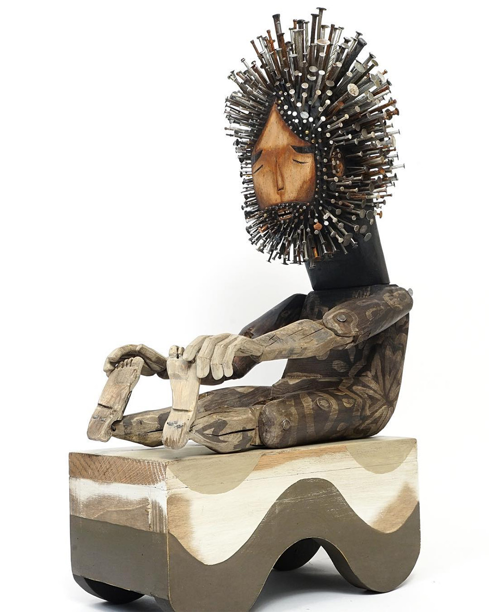 Stunningly Figurative Wood Sculptures Pierced With Hundreds Of Nails By Jaime Molina 7