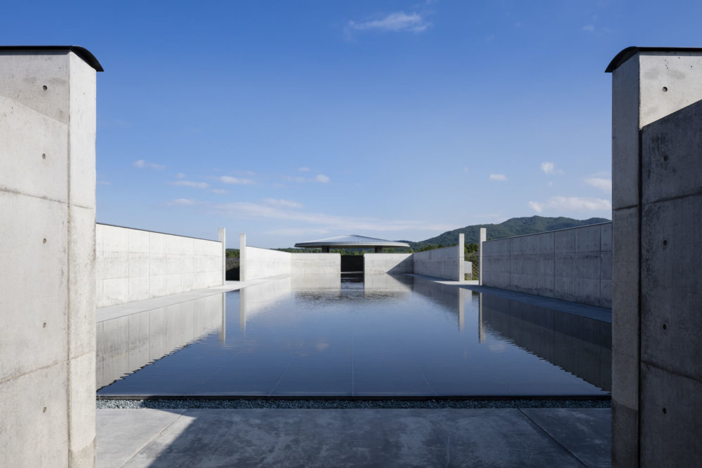 Extraordinary Underground Temple With A Giant Statue Of Buddha Inside By Tadao Ando 2
