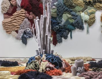 """Coral Garden"": stunning installation of textile coral reefs by Vanessa Barragão"