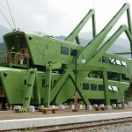"""""""Grasshopper's Dream"""": a café in the shape of two grasshoppers in South Korea"""