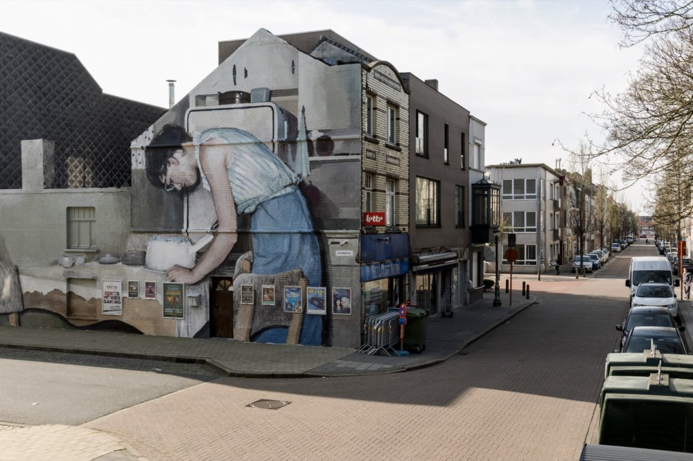 Large Scale Murals Of Family Photographs By Mohamed Lghacham 2