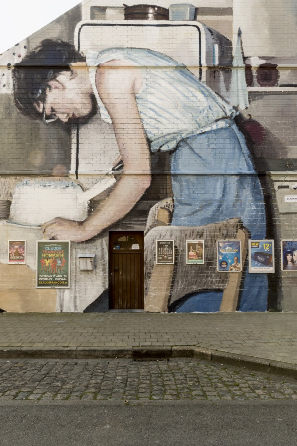 Large Scale Murals Of Family Photographs By Mohamed Lghacham 3