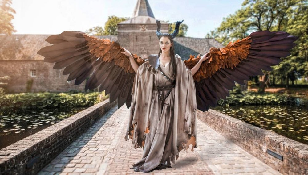 Amazingly Articulated Cosplay Wings By Drisana Litke (1)