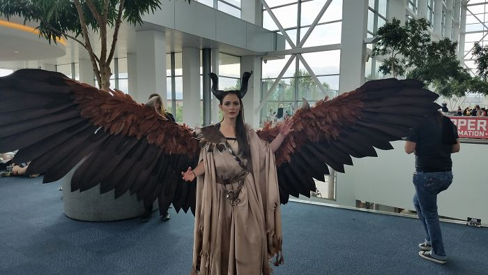 Amazingly Articulated Cosplay Wings By Drisana Litke 4