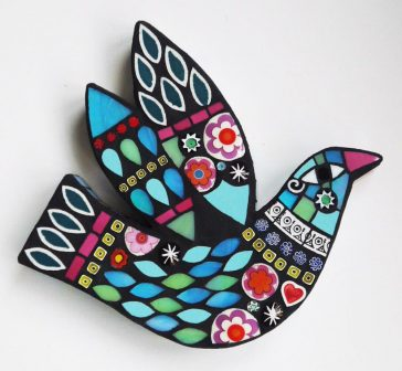 Fascinating mosaic sculptures of birds and other creatures by Amanda Anderson