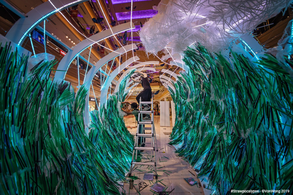 Huge Wave Sculptures Made Of Thousands Of Discarded Straws By Von Wong 07