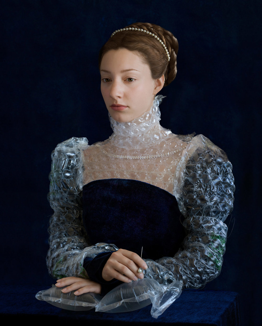 Discarded Packaging Recycled Into Renaissance Costumes By Suzanne Jongmans 2