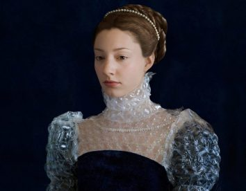 Discarded packaging recycled into renaissance costumes by Suzanne Jongmans