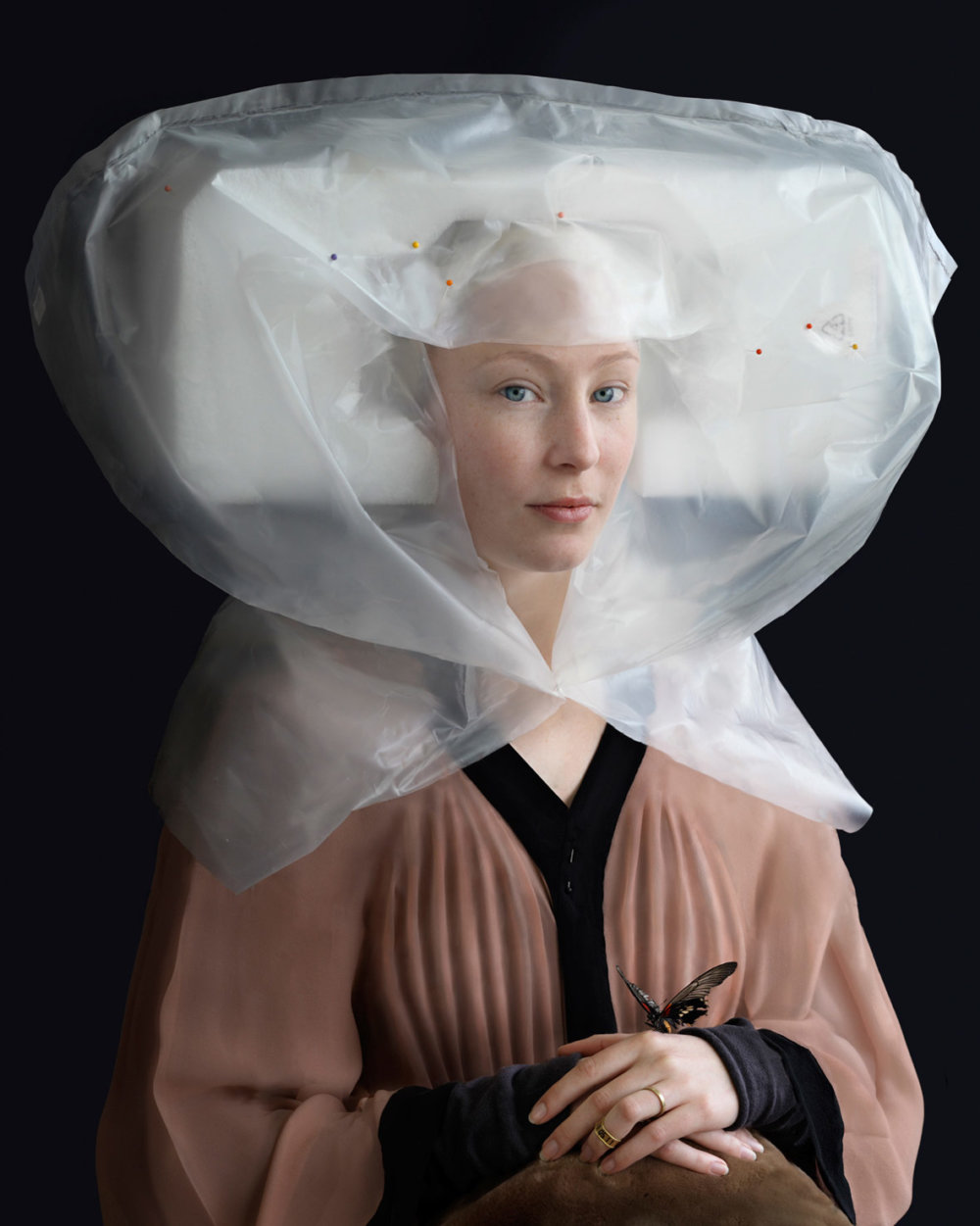 Discarded Packaging Recycled Into Renaissance Costumes By Suzanne Jongmans 4
