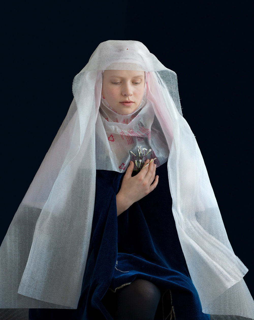 Discarded Packaging Recycled Into Renaissance Costumes By Suzanne Jongmans 5