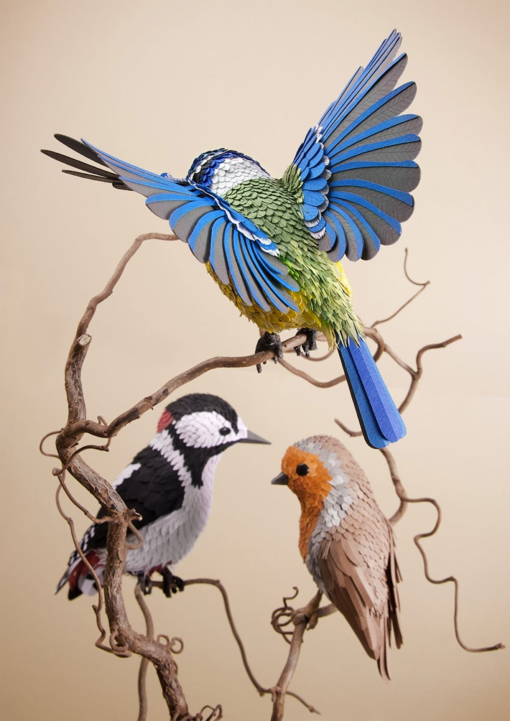 Animal Sculptures Meticulously Made Of Thousands Of Paper Pieces By Lisa Lloyd 1
