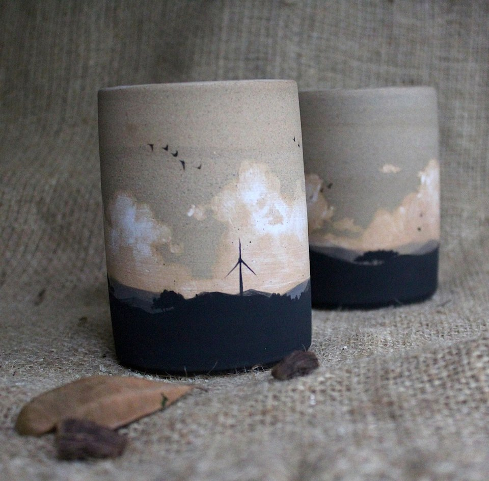 Enchanting Ceramic Vases Illustrated With Elegant Figures By Niharika Hukku 28