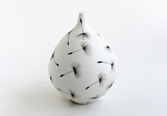 Enchanting Ceramic Vases Illustrated With Elegant Figures By Niharika Hukku 33