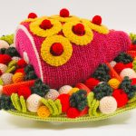 Fabulous food sculptures entirely made of crochet by Trevor Smith