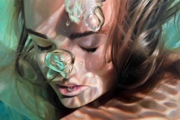 Magnificent realistic paintings of women emerging from underwater by Reisha Perlmutter