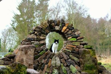 Piles of bricks and stones turned into fantastic works of art by Johnny Clasper