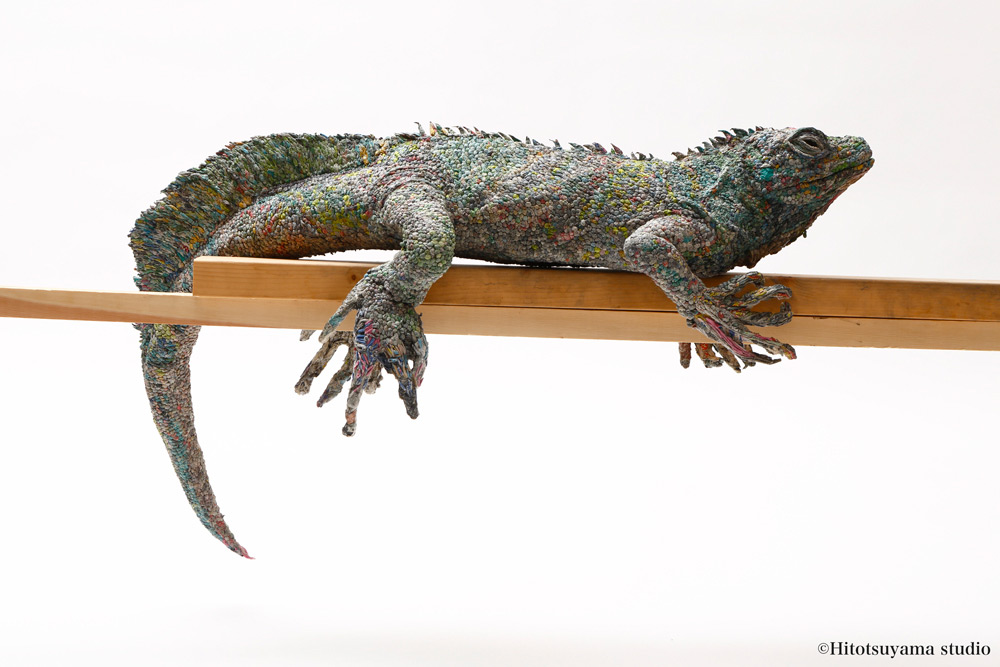 Stunning Lifelike Animal Sculptures Made From Thousands Of Densely Rolled Newspaper By Chie Hitotsuyama 4