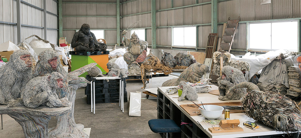 Stunning Lifelike Animal Sculptures Made From Thousands Of Densely Rolled Newspaper By Chie Hitotsuyama 9
