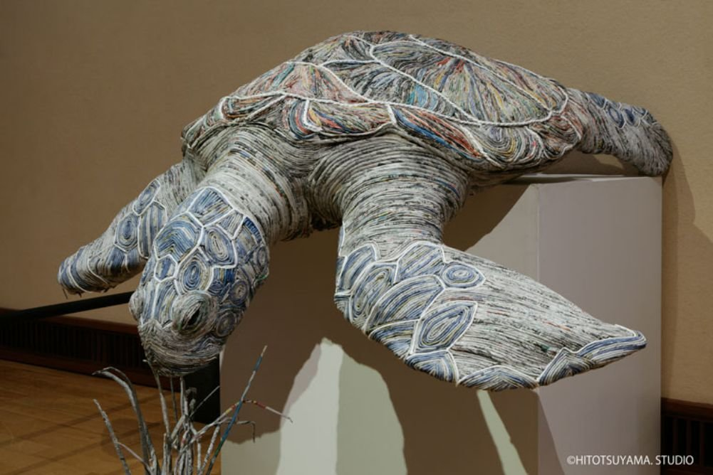 Stunning lifelike animal sculptures made from thousands of densely rolled newspaper by Chie Hitotsuyama