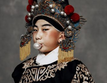 """Beyond Tradition"": a fascinating portrait series on Chinese culture by Kiki Xue"