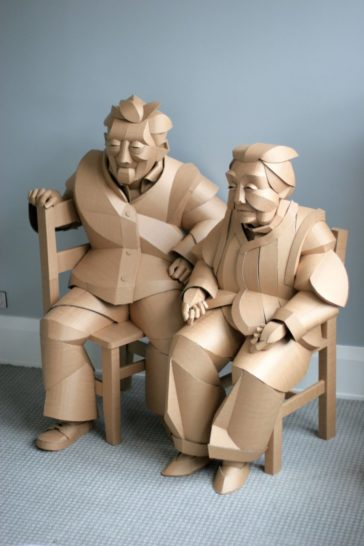 Magnificent figurative sculptures made entirely out of cardboard by Warren King